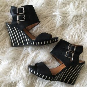 Arturo Chiang Black & White Leather Wooden Wedges